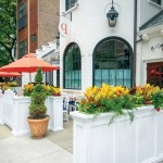 chicago-restaurant-patio-flowers